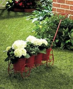 Amazing Ideas For Vintage Garden Decorations For Your Inspiration28