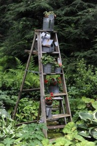 Amazing Ideas For Vintage Garden Decorations For Your Inspiration35
