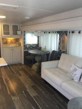 Amazing Rv Decorating Ideas For Your Enjoyable Trip43