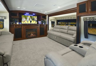 Awesome Rv Living Room Remodel Design28
