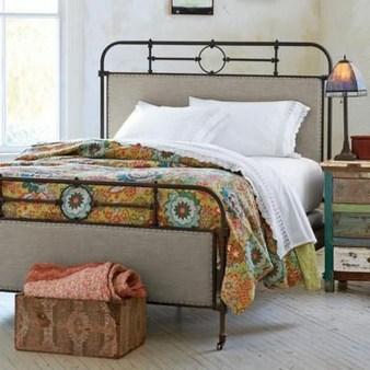 Chic Boho Bedroom Ideas For Comfortable Sleep At Night23