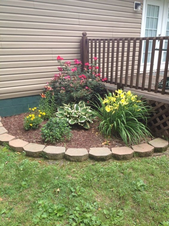 Incredible Flower Bed Design Ideas For Your Small Front Landscaping21