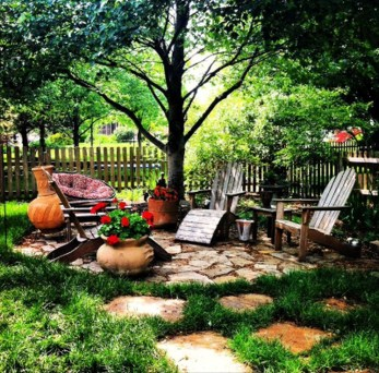 Comfortable Backyard Decoration Ideas For Your Summer28