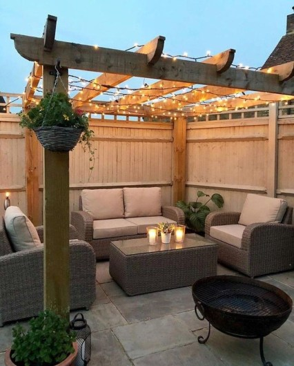 Comfortable Backyard Decoration Ideas For Your Summer39