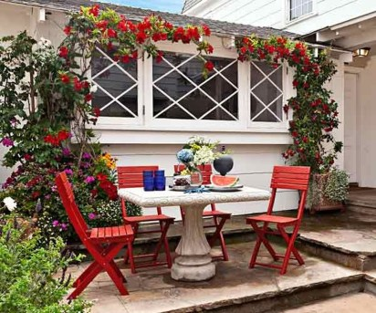 Creative Ideas To Decorate Your Outdoor Room29