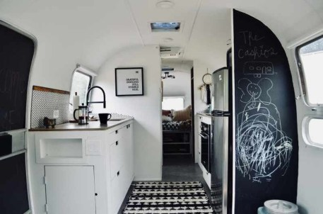 Enchanting Airstream Rv Design And Decoration Ideas For Your Travel Comfort25