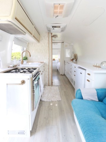 Enchanting Airstream Rv Design And Decoration Ideas For Your Travel Comfort31