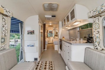 Enchanting Airstream Rv Design And Decoration Ideas For Your Travel Comfort32
