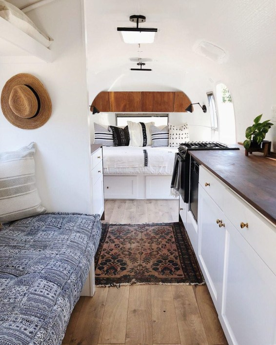 Enchanting Airstream Rv Design And Decoration Ideas For Your Travel Comfort40