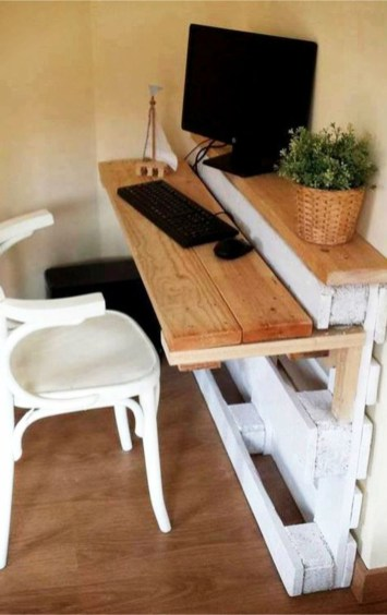 Impressive Wooden Palette Design Ideas You Must Try16