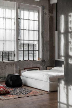 Awesome Industrial Style Bedroom Design Ideas06