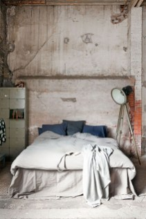 Awesome Industrial Style Bedroom Design Ideas20