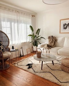 Beautiful Summer Living Room Decor Pieces To Enhance Your Home12