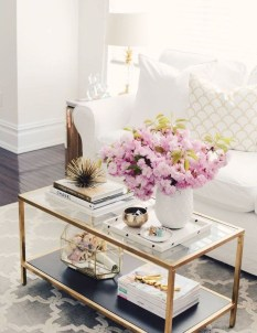 Beautiful Summer Living Room Decor Pieces To Enhance Your Home33