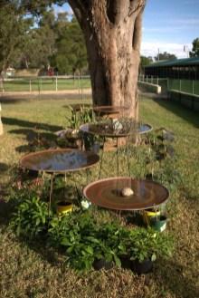 Bird Bath Design Ideas For Your Backyard Inspiration14