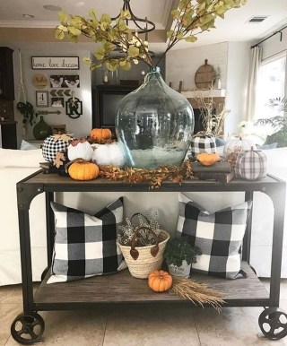 Gorgeous Summer Decor Ideas To Upgrade Your Home Comfortable26
