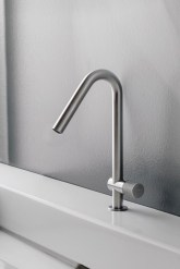 Incredible Water Faucet Design Ideas For Your Bathroom Sink02
