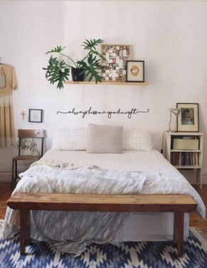 Simple Bedroom Decorating Ideas That Feel Spacious15