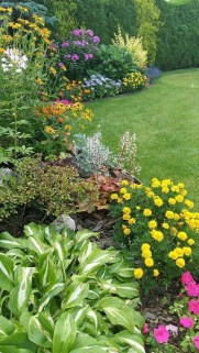 Beautiful Flower Beds Ideas For Home31