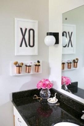 Brilliant Bathroom Decor Ideas On A Budget07
