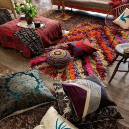 Charming Boho Living Room Decorating Ideas With Gypsy Style22