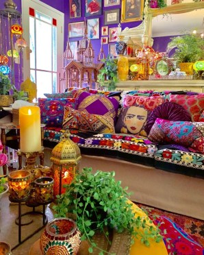 Charming Boho Living Room Decorating Ideas With Gypsy Style35