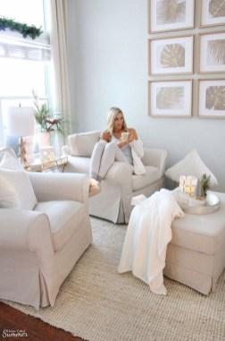 Elegant Coastal Themed Living Room Decorating Ideas07