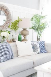 Elegant Coastal Themed Living Room Decorating Ideas20