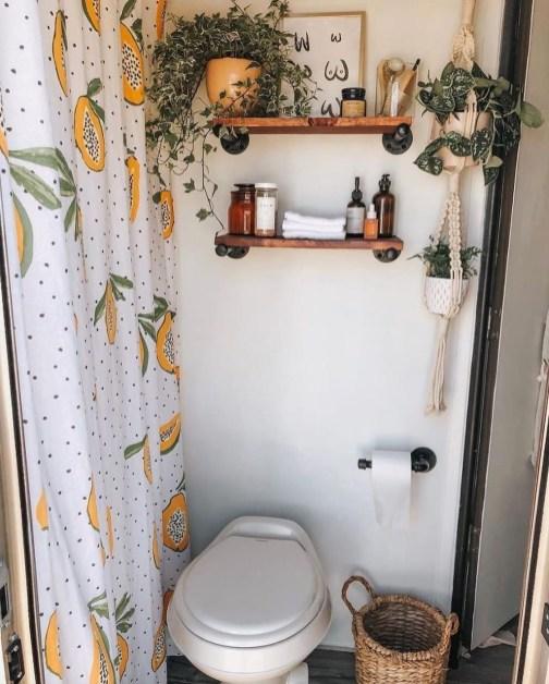 Fabulous Bathroom Design Ideas With Boho Curtains15