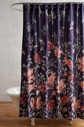 Fabulous Bathroom Design Ideas With Boho Curtains18