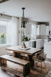 Pretty Farmhouse Table Design Ideas For Kitchen13