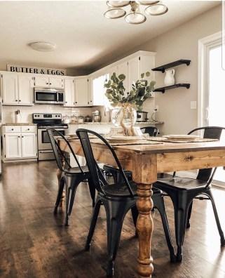 Pretty Farmhouse Table Design Ideas For Kitchen35