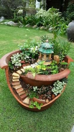 Unique Garden Decorating Ideas15