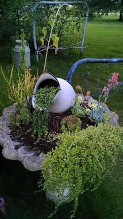 Unique Garden Decorating Ideas17