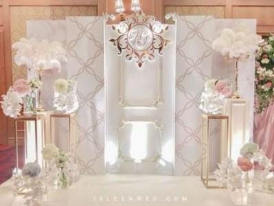 Unordinary Wedding Backdrop Decoration Ideas27