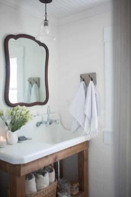 Vintage Farmhouse Bathroom Decor Design Ideas06
