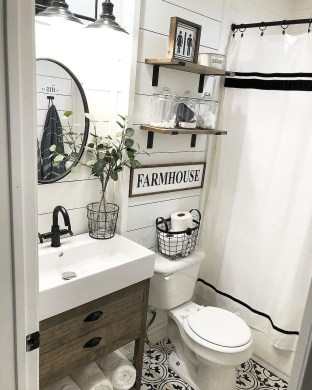 Vintage Farmhouse Bathroom Decor Design Ideas18