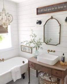 Vintage Farmhouse Bathroom Decor Design Ideas20