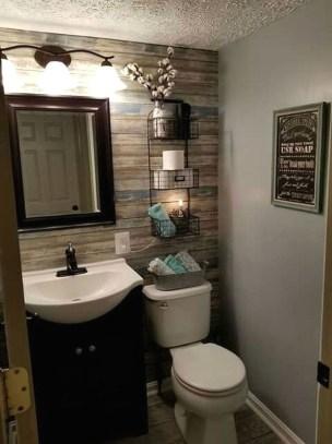Vintage Farmhouse Bathroom Decor Design Ideas36
