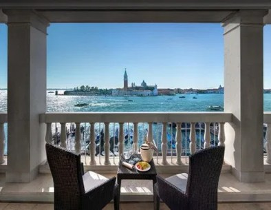Top Hotel Terraces With The Most Breathtaking Views20