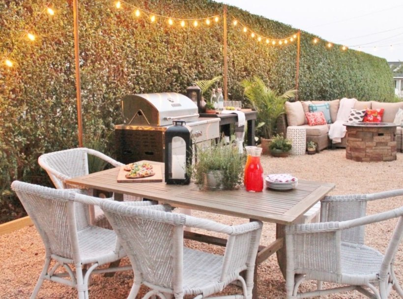 Backyard Patio with Complete Dining Space