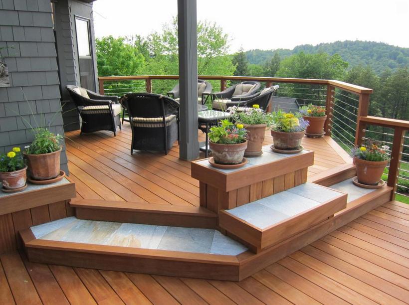 Impressive Deck Design with Natural Retreat