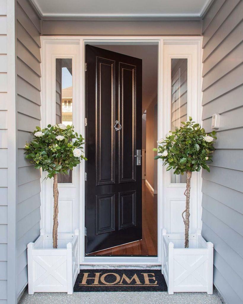 Popular Classic-Style Front Door