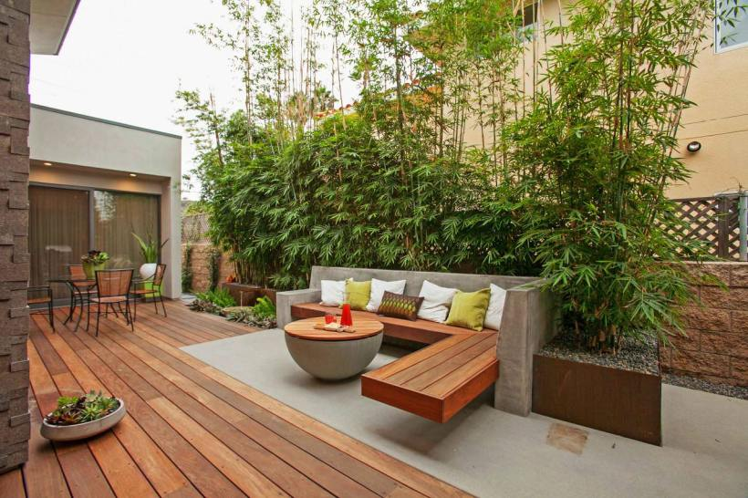 Contemporary Deck Design with DIY Bench