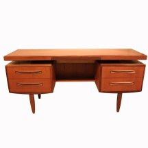 4. Bureau Danois Vintage.