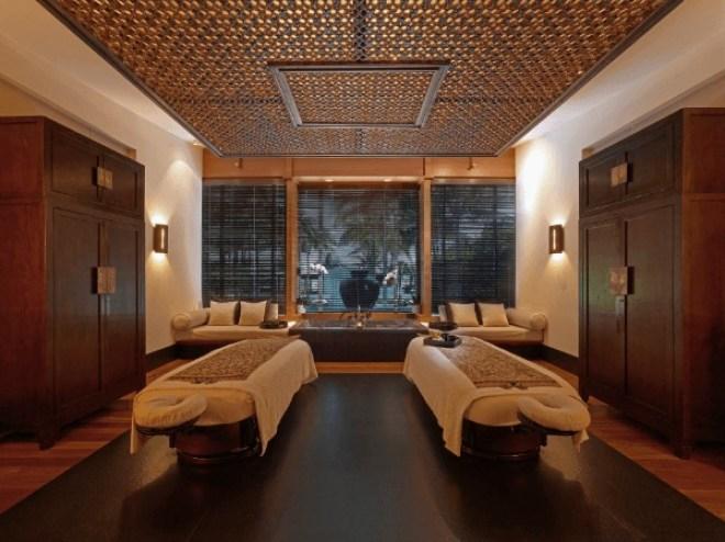 Massage Singapourien, The Setaï Miami, 60 mn 132 €, escapade 10ème anniversaire chambre à partir de 531 € par nuit. http://www.thesetaihotel.com/#