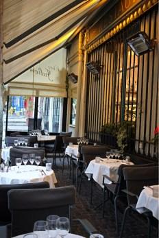 La terrasse, Chez julien.