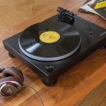 1. Platine Audio-Technica AT-LP5.