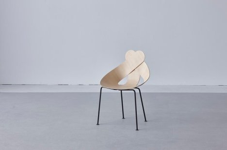 Chaise de table LUCKY LOVE siège en bois et cadre chromé