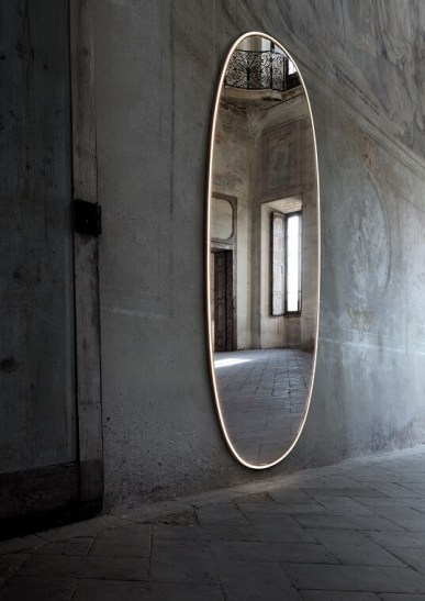 4. La Plus Belle by Philippe Starck, Flos